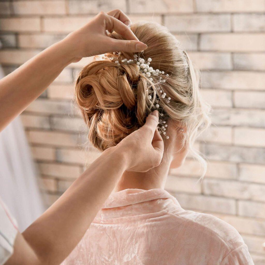 creations hair en makeup ijmuiden kapsalon kennemerlaan bruidskapsel bruidsmakeup